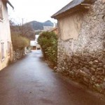 Une rue de Montgardin. © Jean Marie Desbois, 2001.