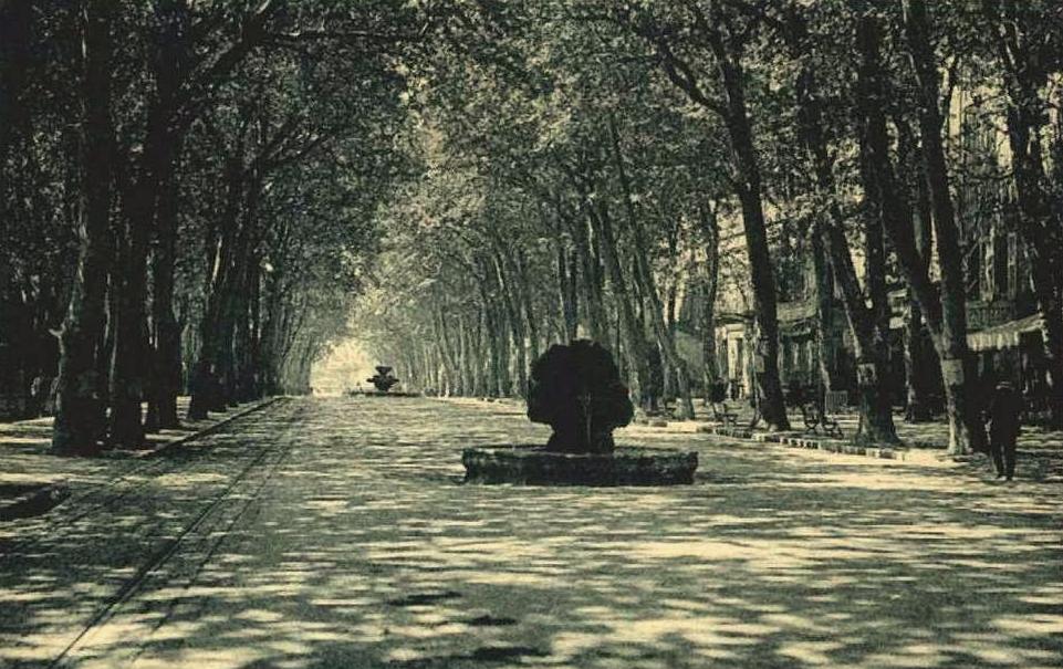 Le cours Mirabeau vers 1910.