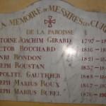 Inscription dans l'église       de Puyricard © J. M. Desbois, 2002.