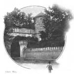 L'extérieur du château de La Roque ne laisse pas deviner les dégâts considérables dont l'intérieur a souffert. (Coll. part.)