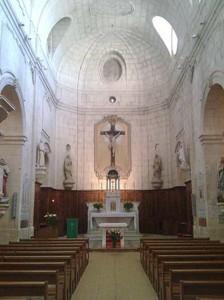 Intérieur de l'église Sainte-Croix. © Jean Marie Desbois, 2009.
