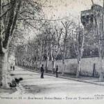 Boulevard Notre-Dame à la croisée du cours Sextius. DR.