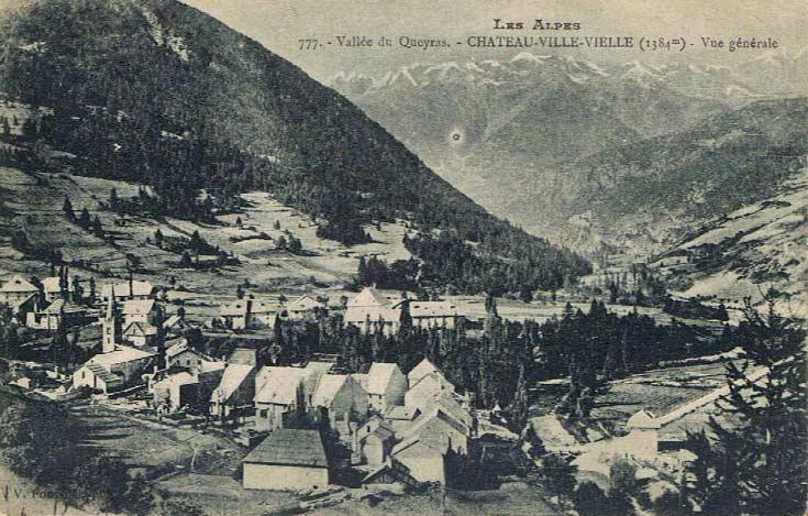 Vue générale de Château-Ville-Vieille. DR.