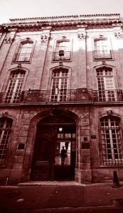 Hôtel Maynier d'Oppède à Aix-en-Provence, rue Gaston-de-Saporta. © Lsmpascal, 2011, Creative Commons paternité – partage à l'identique 3.0 (non transposée)