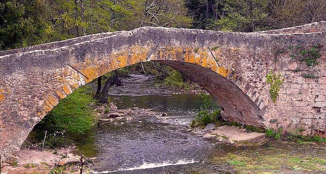 pont-vins-caramy
