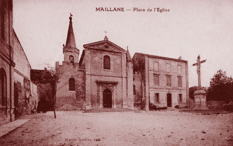 place-eglise-maillane