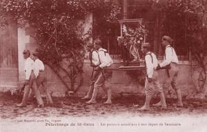 Pèlerinage de Saint-Gens. Les porteurs montiliens à leur départ du sanctuaire.