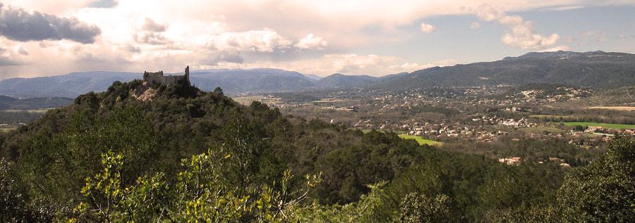 La vallée de Forcalqueiret par laquelle est passé le convoi. © Sombre Sanglier. CC BY-SA 3.0.