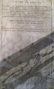 Plaque rappelant le baptême de Victor, marquis de Mirabeau, en l'église paroissiale de Pertuis. © V. Pagnier.