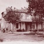 Place centrale de Fos-sur-Mer (aujourd'hui place de la République). DR.