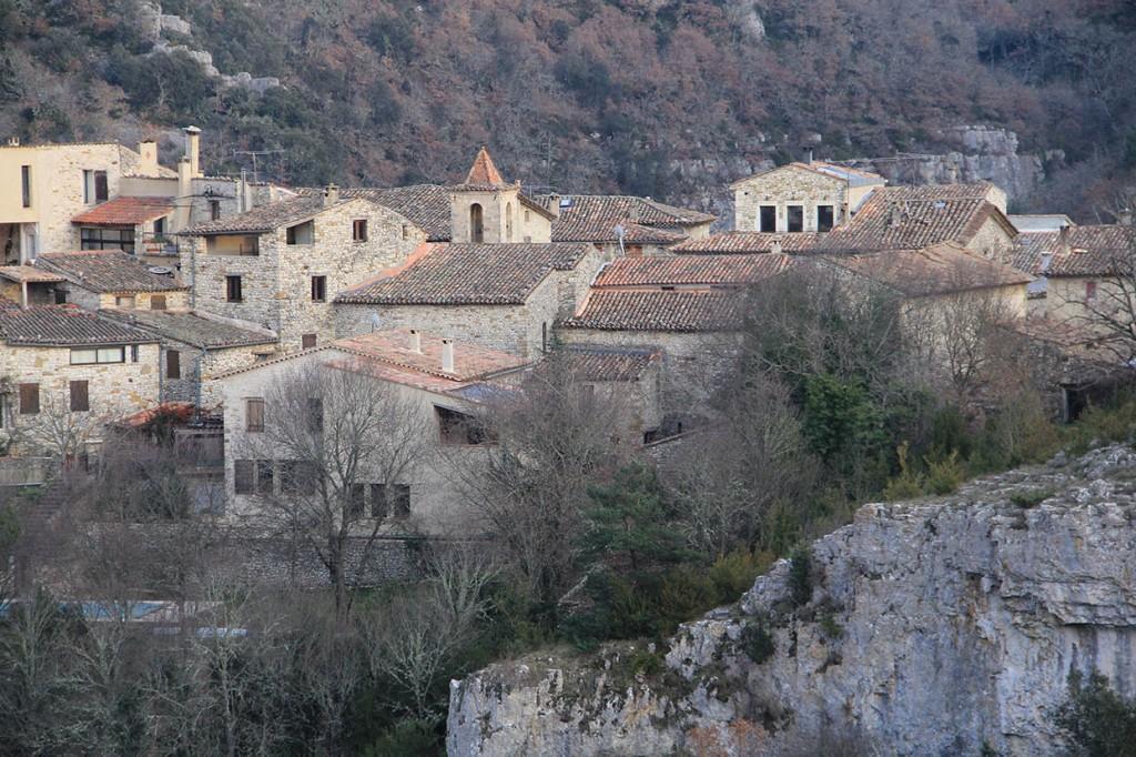 Vue générale du village d'Oppedette (Alpes-de-Haute-Provence). ©  Jacky Jeannet   Adobe Stock.