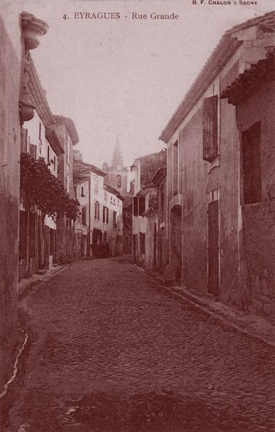 La rue grande, à Eyragues