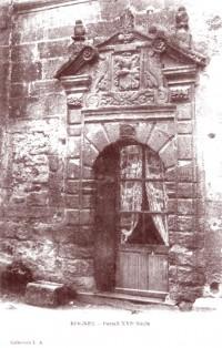 Rognes. Porte XVIe siècle. DR.