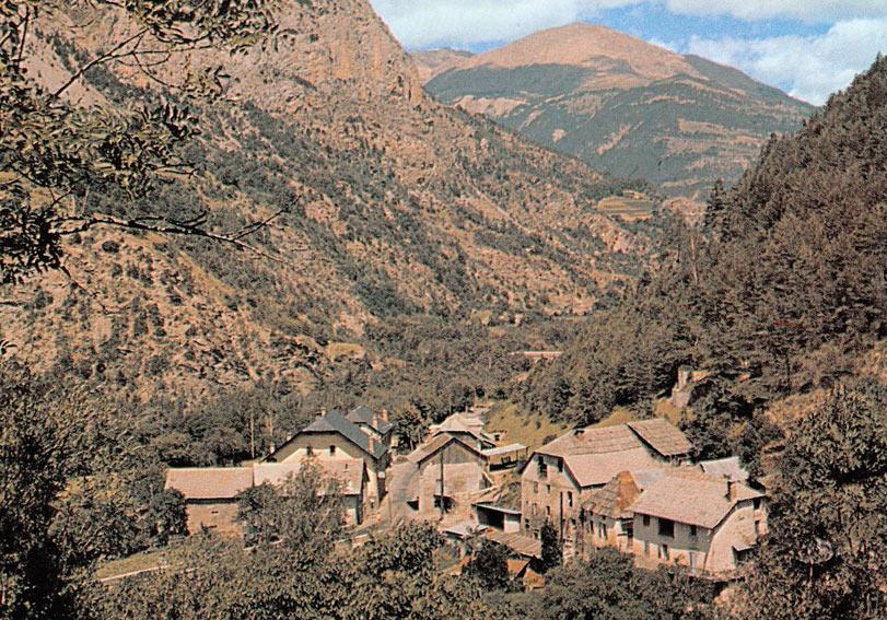Hameau du Martinet (commune du Lauzet-Ubaye). DR.