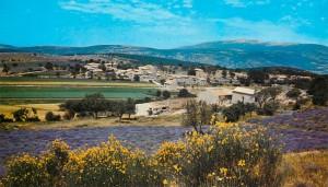 Le hameau de Saint-Jean, commune de Sault (Vaucluse) au début des années 1970. DR.
