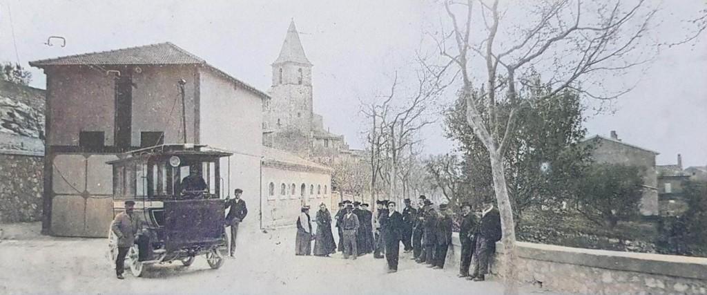 Entrée du village d'Allauch. DR.