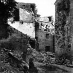 Maison en ruine dans laquelle est morte la jeune Sophie Castellas (9 ans). Sept personnes y furent ensevelies mais, par chance, purent être dégagées vivantes. (Cliché Héry. DR.)