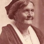 Élisa Vve QUENIN, guide des Baux. DR.